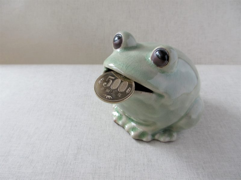 カエルの貯金箱写真